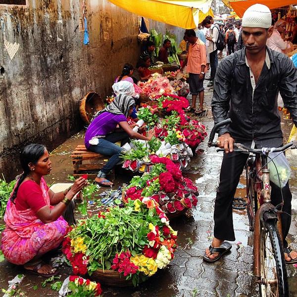 Dadar Flower Market glistens with the start of monsoon. This is #Mumbai