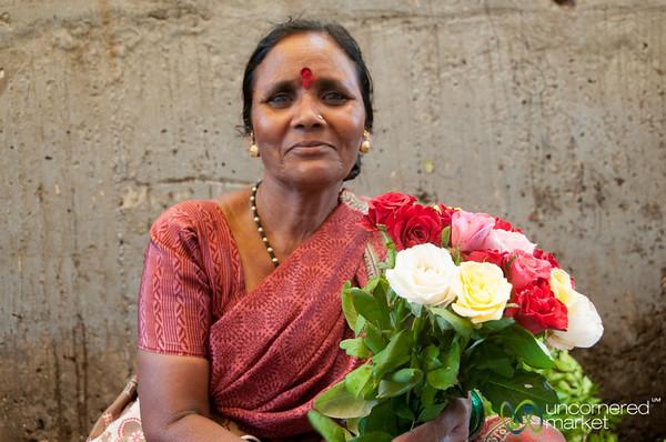 Dadar Flower Market, Vendor with Roses - Mumbai, India