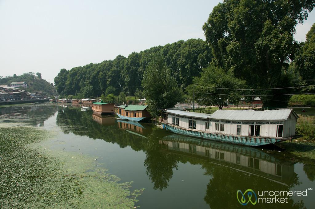 Srinagar House Boats and Parks - Kashmir, India