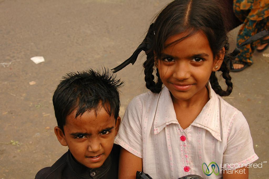 Siblings at the Market - Udaipur, India