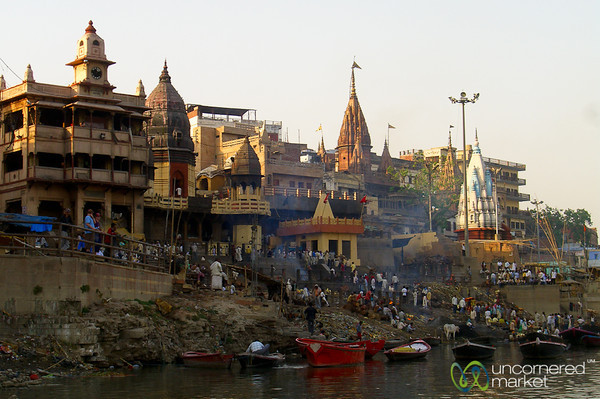 Evening Boat Ride Along the Ganges River - Varanasi, India