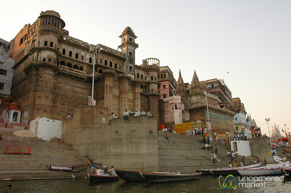 Hanging Out at Mansarowar Ghat along the Ganges River - Varanasi, India