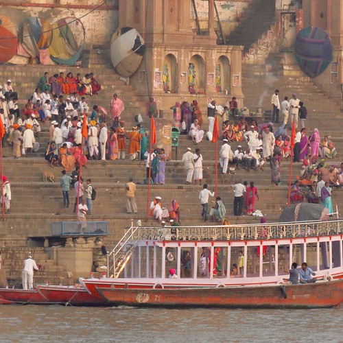 Varanasi, India – Ceremony, Tourism and Death on the Ganges (Video #103)