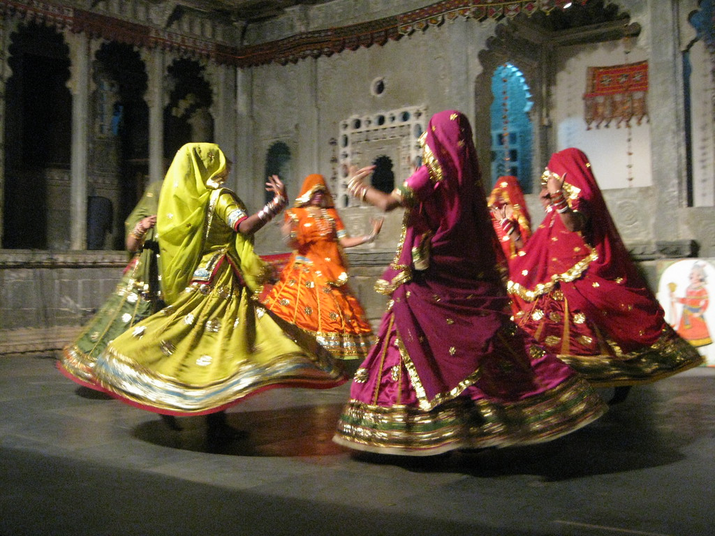 dancing women in udaipur cultural show