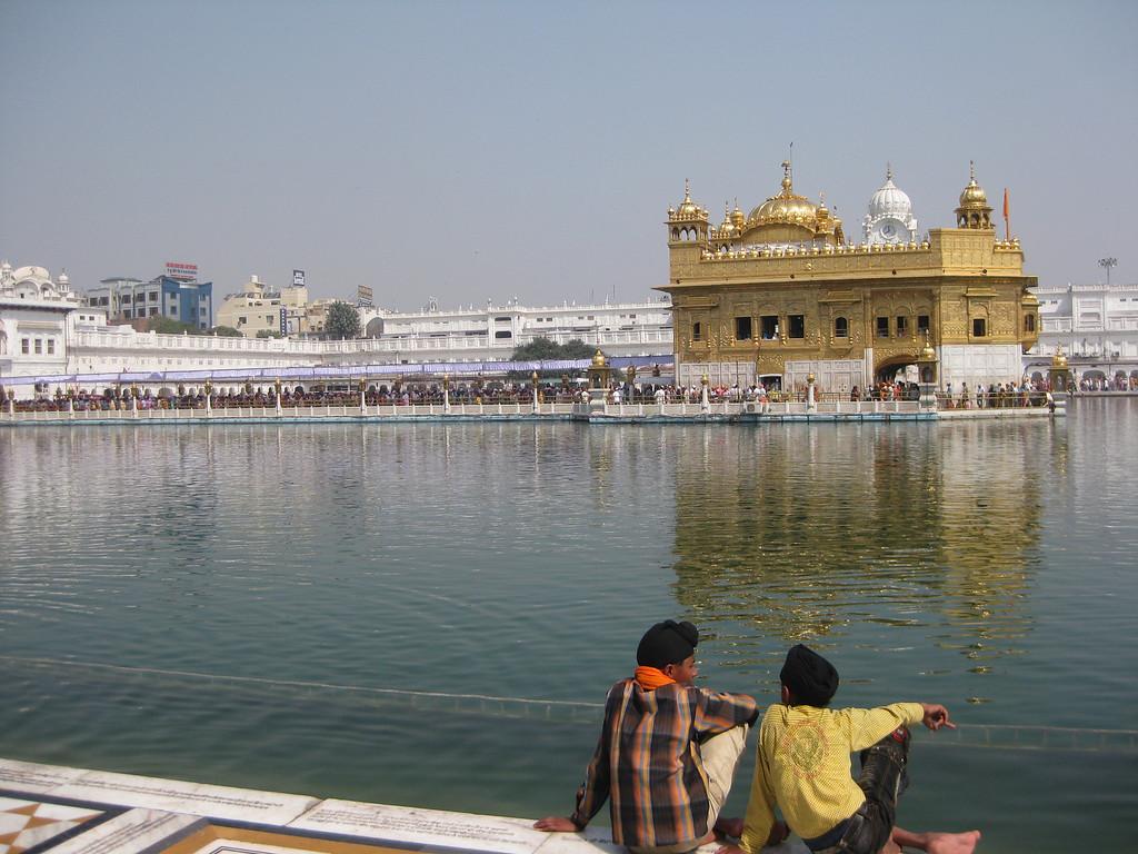 sacred lake Harmandir Sahib