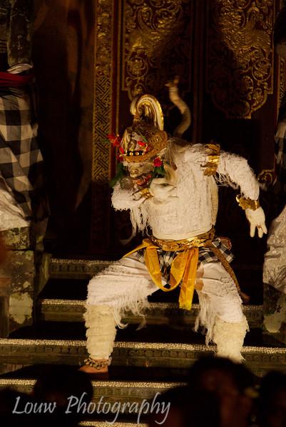 "<a target=""NEWWIN"" href=""http://en.wikipedia.org/wiki/Kecak"">Kecak</a> Dance, Puri Agung Peliatan, Bali"