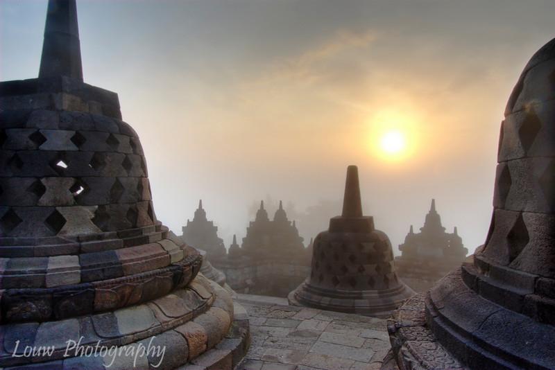 "Sunrise at Candi <a target=""NEWWIN"" href=""http://en.wikipedia.org/wiki/Borobudur"">Borobodur</a>, Central Java, Indonesia (<a target=""NEWWIN"" href=""http://en.wikipedia.org/wiki/High_dynamic_range_imaging"">HDR</a>)"