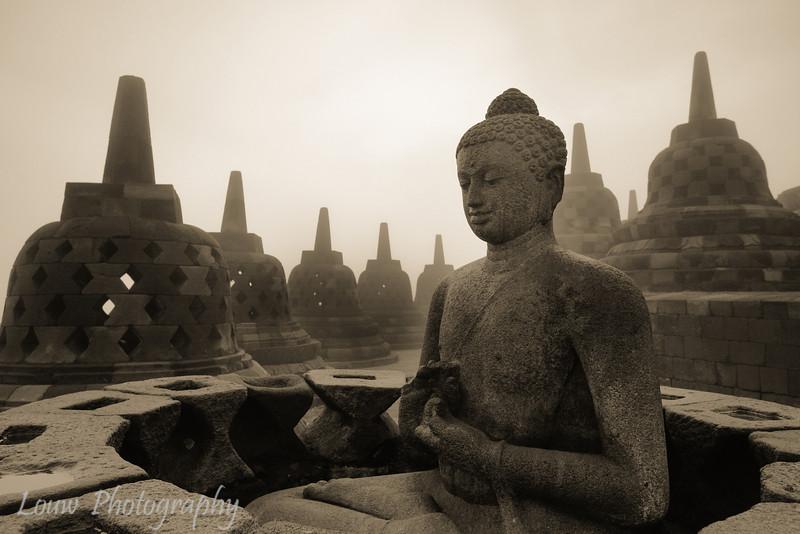 "Candi <a target=""NEWWIN"" href=""http://en.wikipedia.org/wiki/Borobudur"">Borobodur</a>, Central Java, Indonesia"