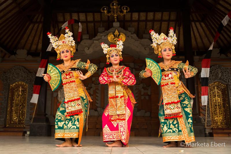 Balinese Legong dancers