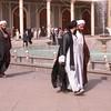 Ir 4042 Qom, Fatima moskee