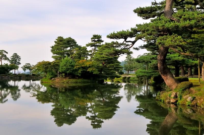 Pond view in Kenroku-en Garden - One of Japan's three great gardens