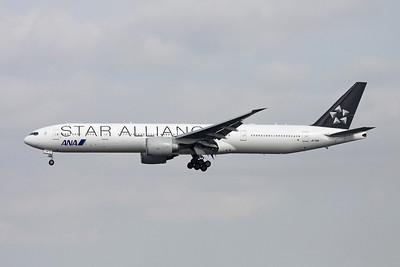 "JA731A Boeing 777-318ER c/n 28281 Tokyo-Narita/RJAA/NRT 18-10-17 ""Star Alliance"""