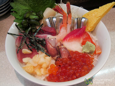 Mixed Sushi Donburi at Tsukiji Fish Market - Tokyo, Japan