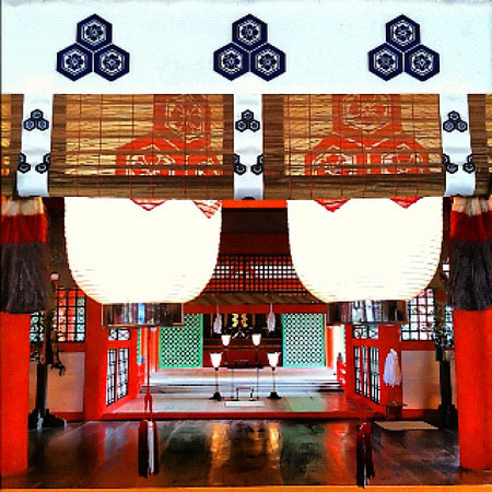 A peek into Itsukushima Shinto shrine - Miyajima, Japan #dna2japan #gadv