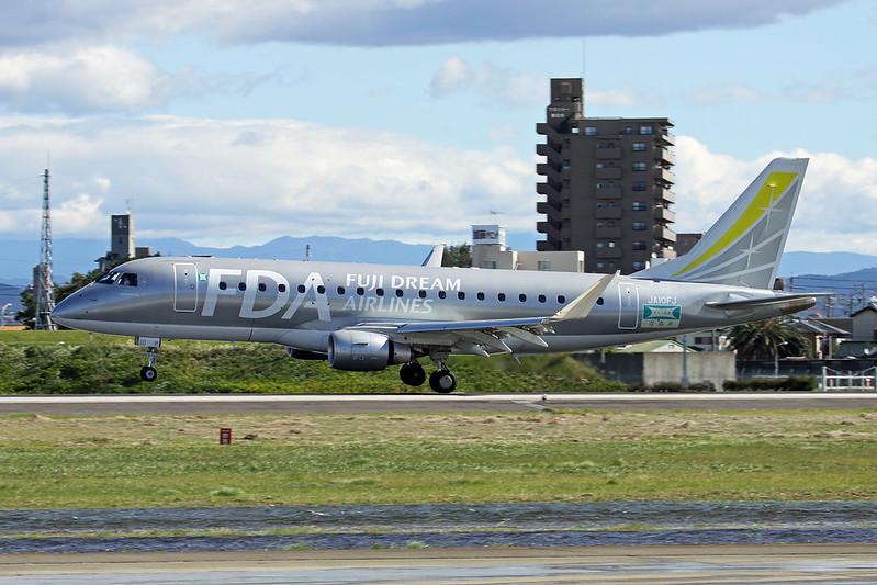JA10FJ Embraer Emb-175-200STD c/n 17000516 Nagoya-Komaki/RJNA/NKM 23-10-17