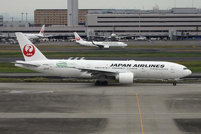"""JA705J Boeing 777-246ER c/n 32893 Tokyo-Haneda/RJTT/HND 20-10-17 """"Contrail"""""""