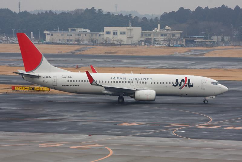 JA303J Boeing 737-846 c/n 35332 Tokyo-Narita/RJAA/NRT 24-02-11