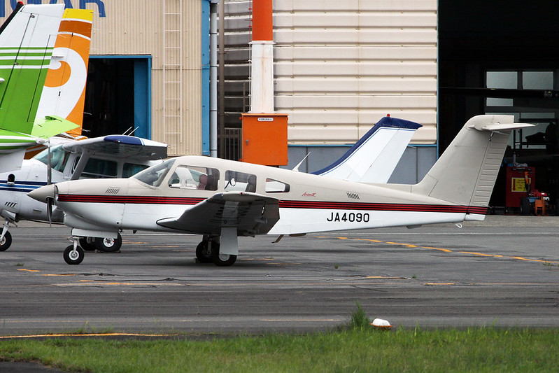 JA4090 Piper PA-28RT-201T Turbo Arrow IV c/n 28R-8631002 Yao/RJOY 24-10-17