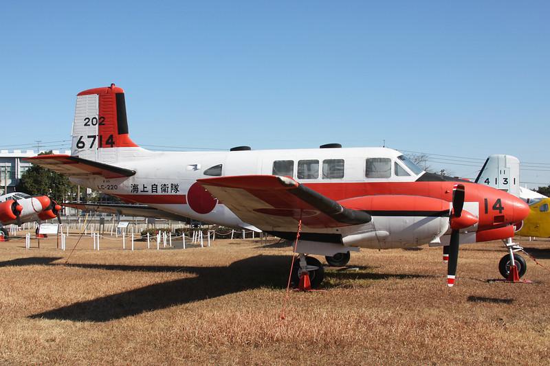 """6714 (14) Beech 65 Queen Air """"JMSDF"""" c/n LC-220 Kanoya/RJFY 16-01-14"""