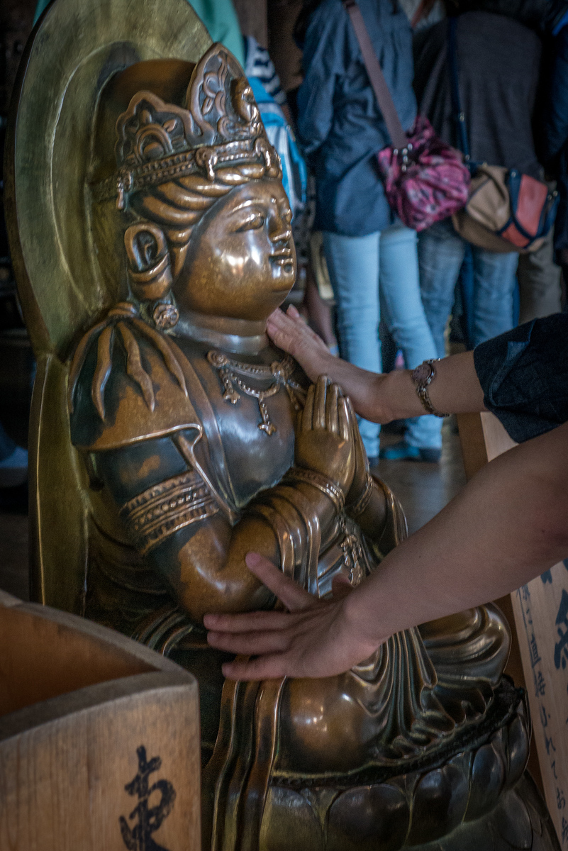statue at Kiyomizu-dera temple