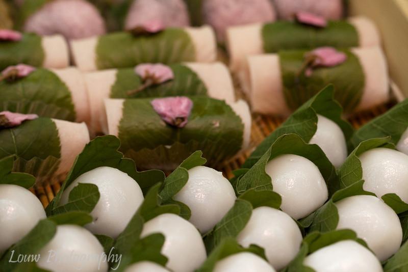 """<a target=""""NEWWIN"""" href=""""http://en.wikipedia.org/wiki/Sakuramochi"""">Sakura mochi</a> and wagashi at Kuromon Market, Osaka, Japan"""