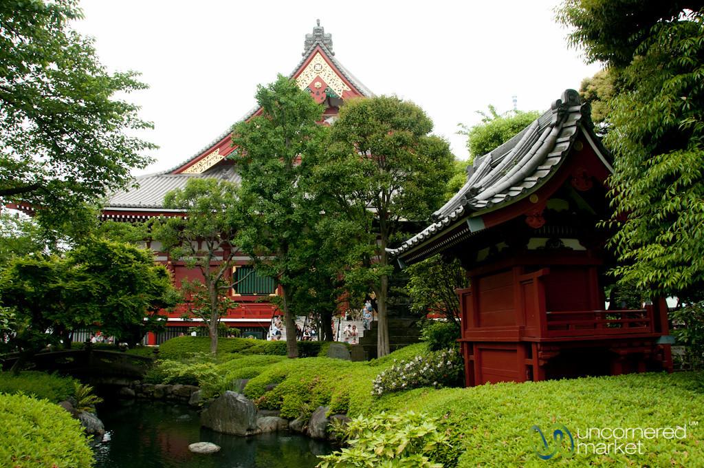 Temple at Sensou-ji - Tokyo, Japan
