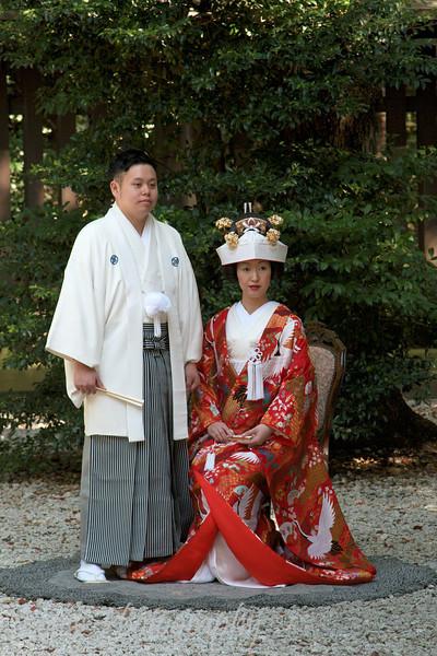 """Wedding couple, <a target=""""NEWWIN"""" href=""""http://en.wikipedia.org/wiki/Meiji_Shrine"""">Meiji Jingu Shrine</a>, Toyko, Japan"""