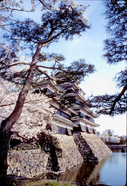 1986 - Matsumoto Castle - Matsumoto, Japan