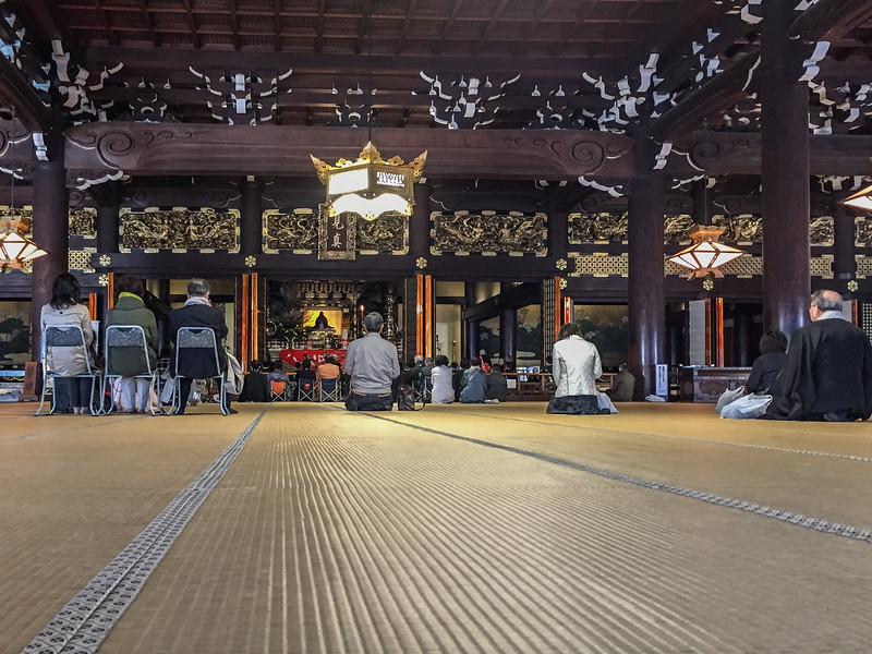 Visit Higashi Honganji Temple to see the monks chat during morning meditation | The best Kyoto Temples & Shrines