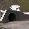 Kz 4406 tunnel aan noordkant van Too-Asuu pas