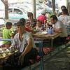 Kz 3782 lunch bij Jalalabad
