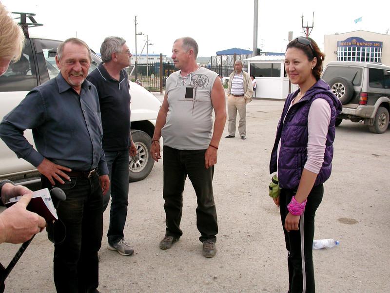 Kz 1629 grens over van Kazakhstan naar Kyrgyzië