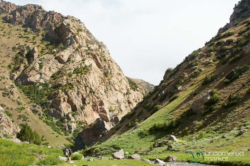 Day Trek to Daroot Korgon - Alay Mountains, Kyrgyzstan