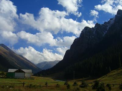 Blue Skies, Trekking at Altyn Arashan - Kyrgyzstan