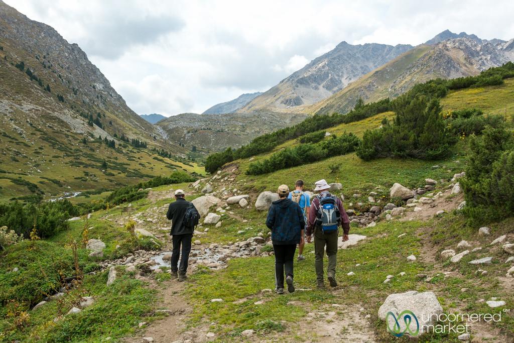 Jyrgalan Trek, Going into Mountains - Kyrgyzstan