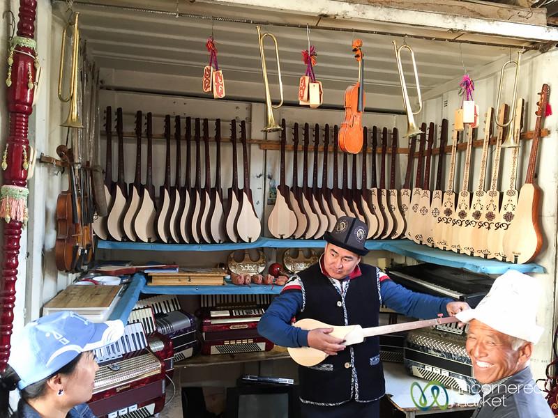 Impromptu Komuz Concert at Osh Bazaar - Kyrgyzstan