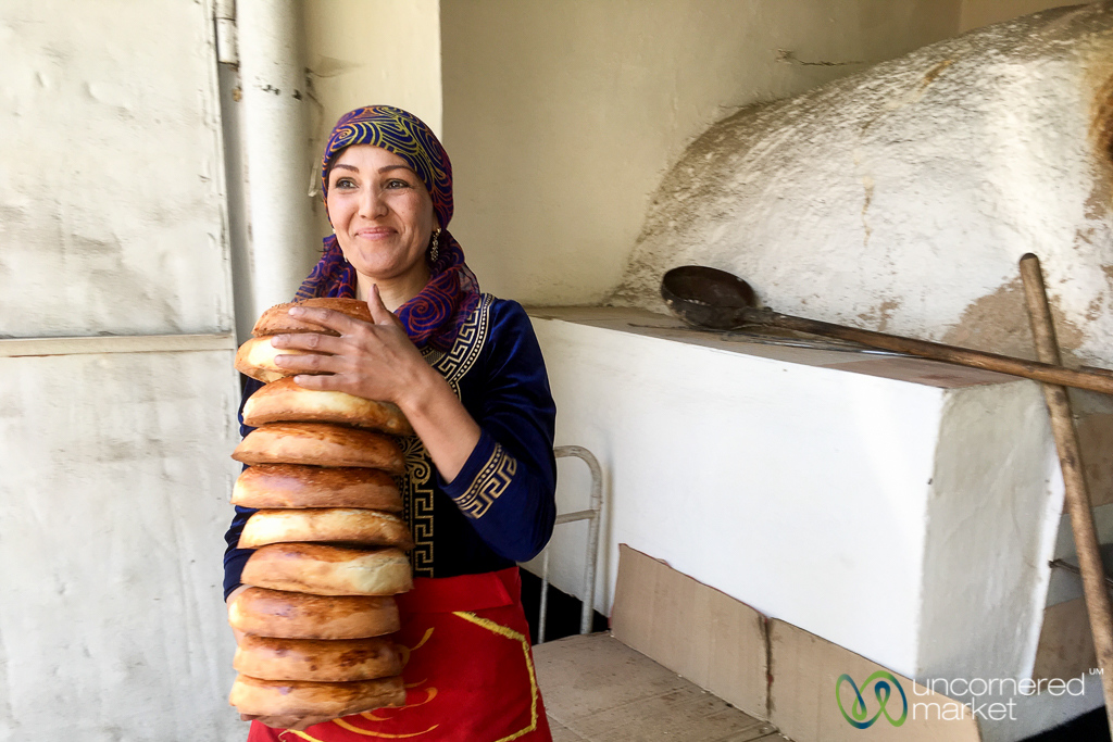 Liposhka Fresh from the Tandoor Oven - Osh, Kyrgyzstan