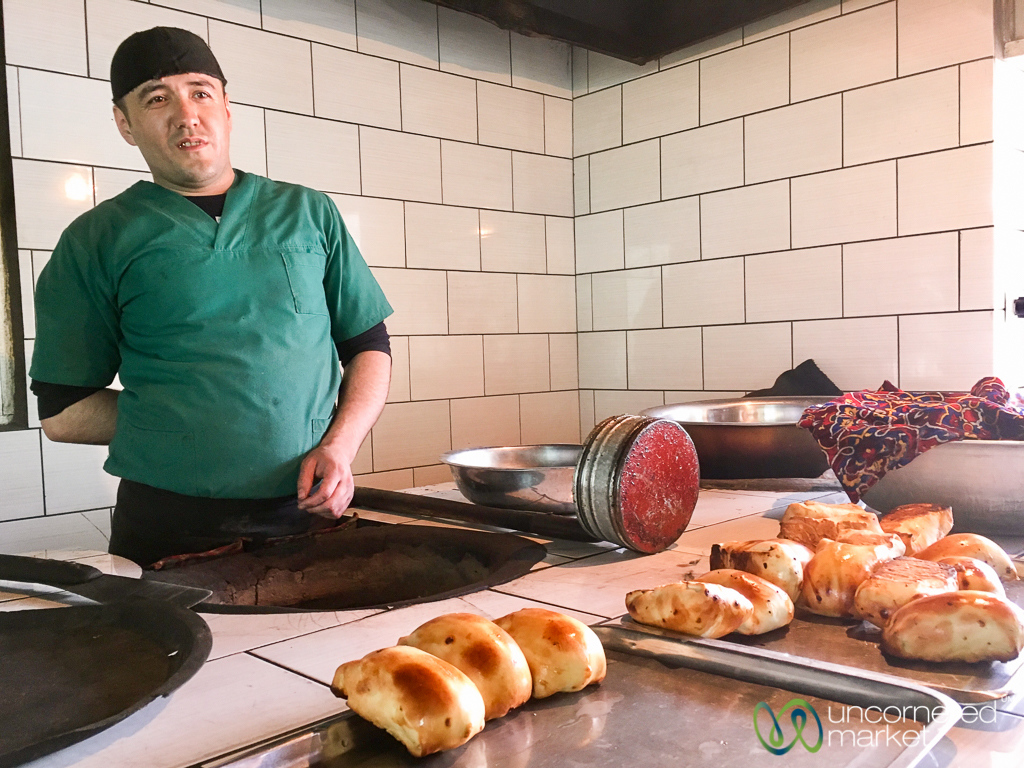 Somsa Master in Osh, Kyrgyzstan