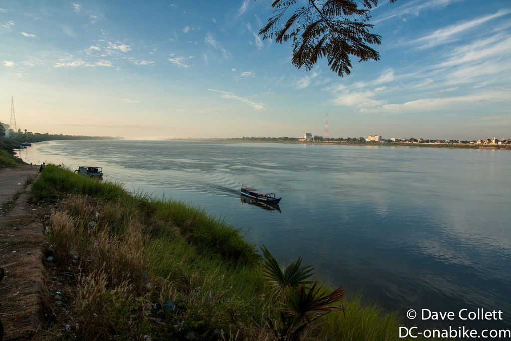 Mekong at Thakhek - Thailand on the other side