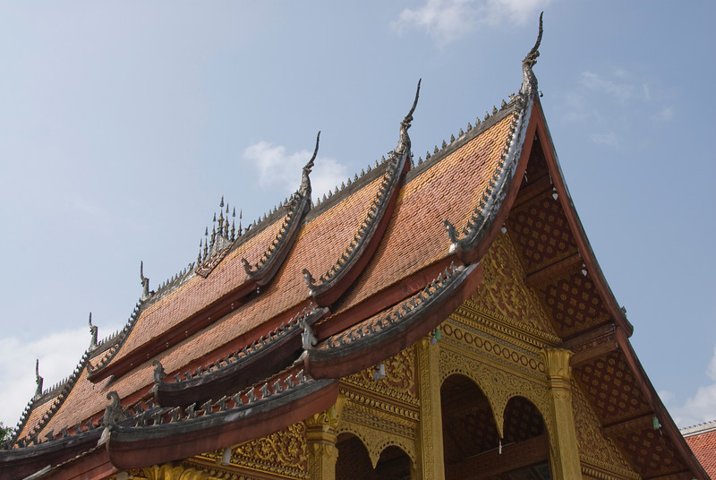 Elaborate carving on rooftop of temple - Luang Prang, Laos