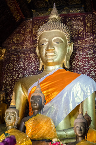 Standing buddha at Wat Xieng Thong.