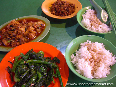 Singapore Food at Maxwell Food Court - Singapore