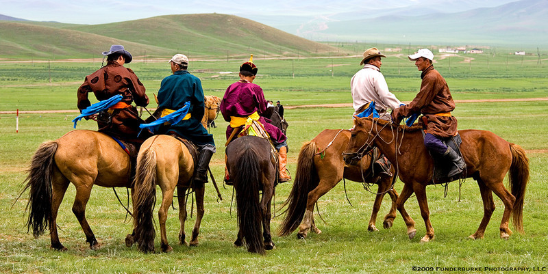 Awaiting the horse races - Naadam Festival