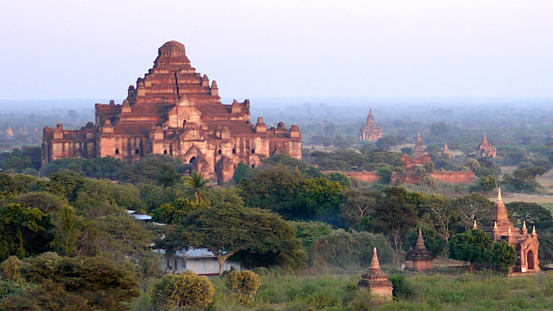Sunset temples in Bagan, Burma (Myanmar)