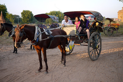 Hourse cart is a great way to get around in Bagan, Burma (Myanmar). We took this form of transport to see the sunset each day.