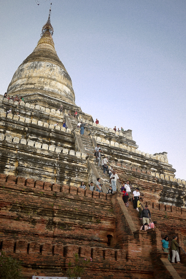 The long line or tourists climbing Shwesandaw Pagoda for sunset in Bagan, Burma (Myanmar)