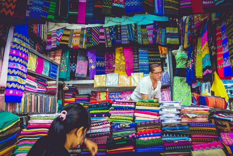 Longyi vendor