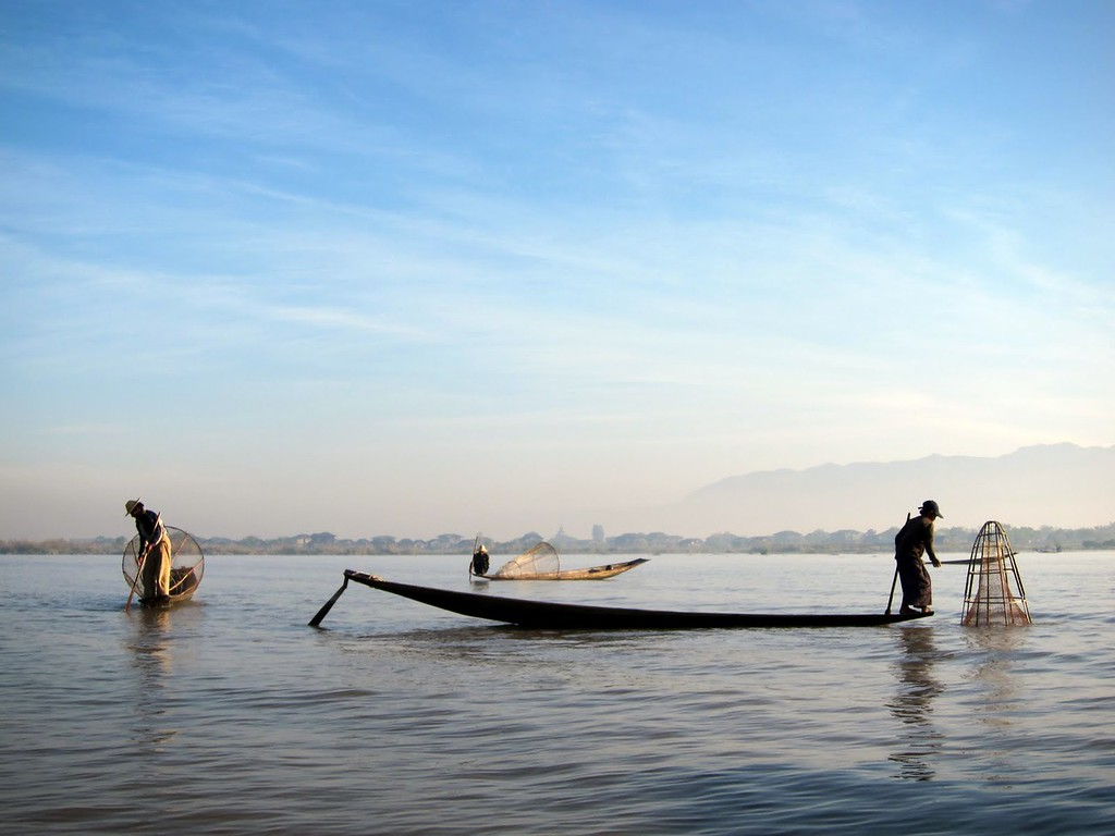 inle lake myanmar: the site of one of the more embarrassing things I did on my travels