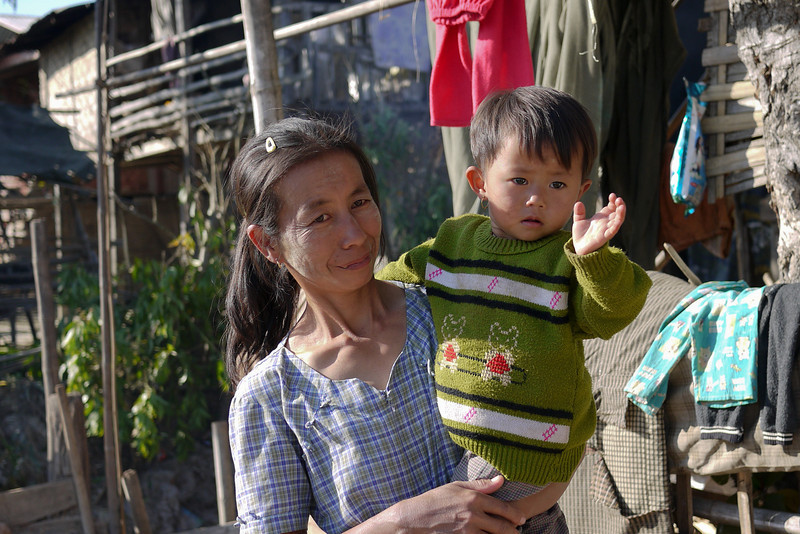 A waving smile from the children as Ana and I walked around the outskirts of Nyaung Shwe, on Inle Lake, Burma (Myanmar).