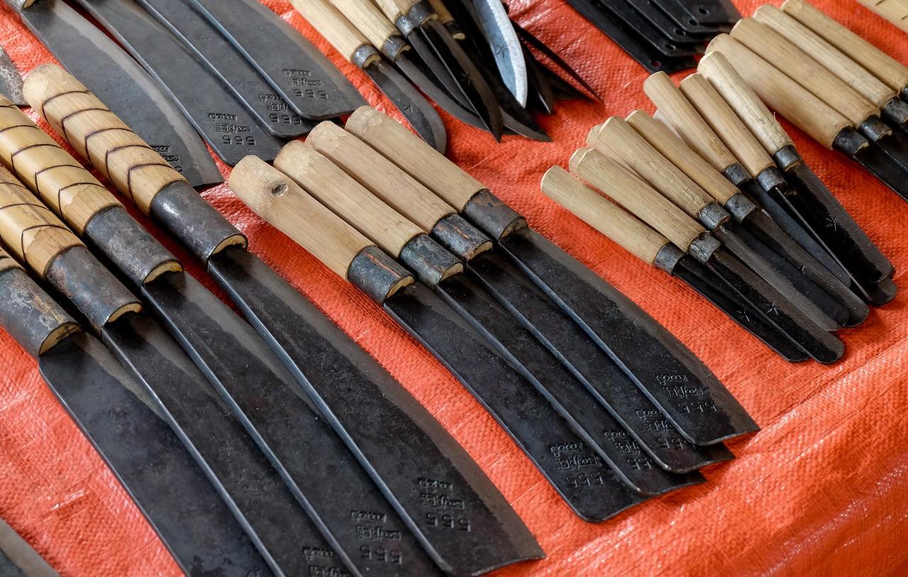 Burmese knives